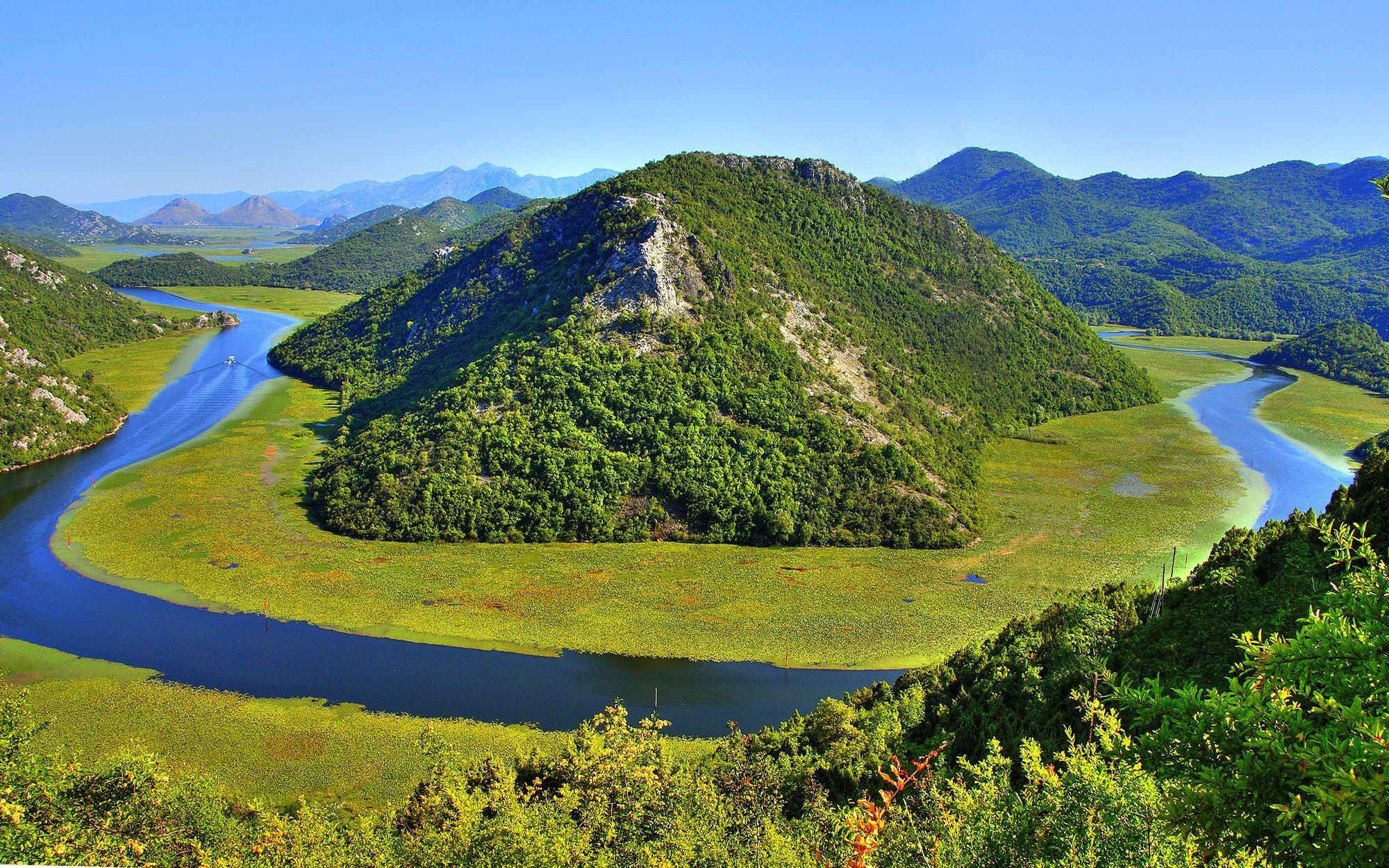 Природа пейзаж лето река остров горы
