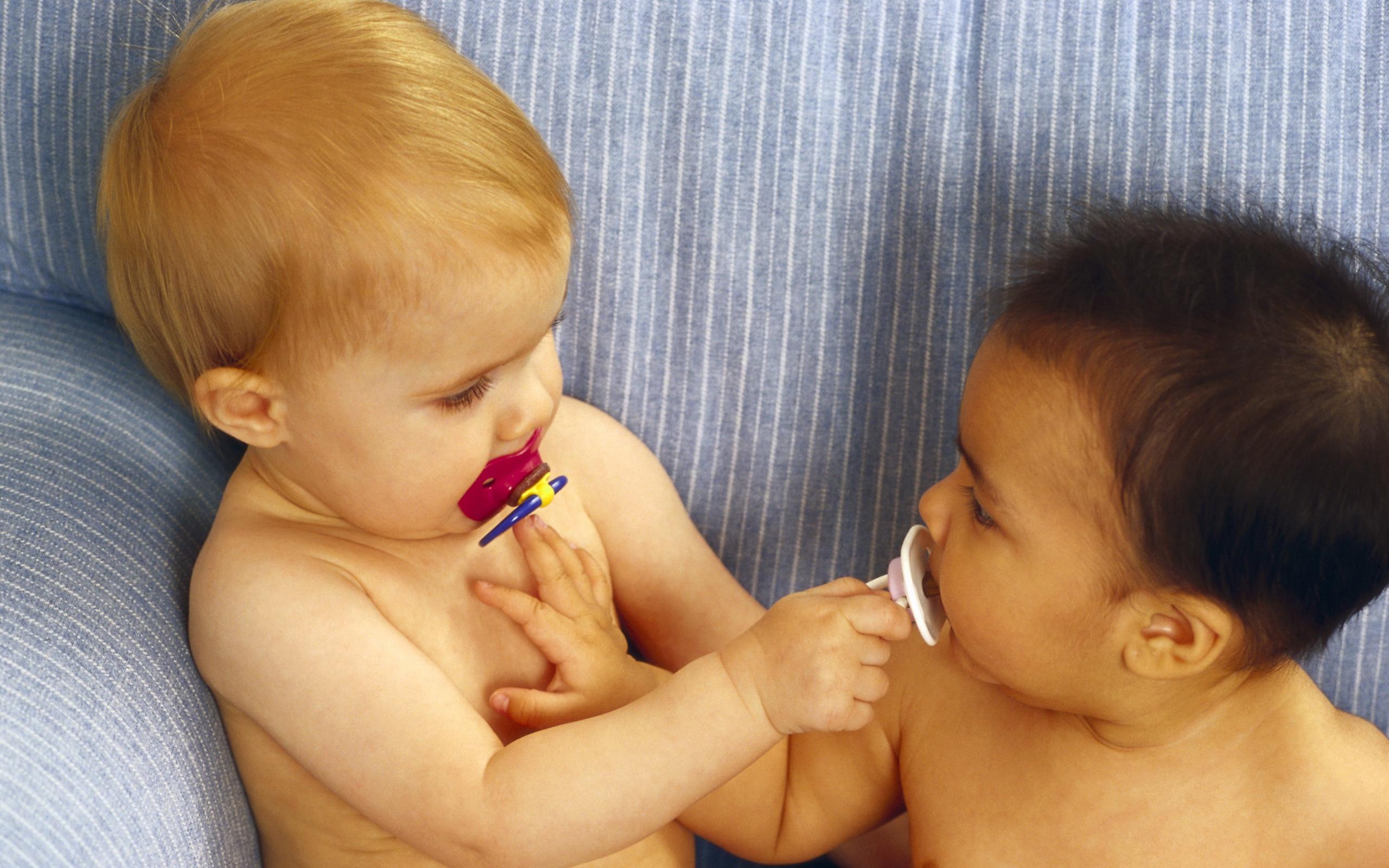 как приучить ребёнка сосать соску пусштишку-рч2